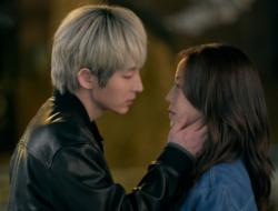 """Lee Joon Gi Memikat Moon Chae Won Dengan Aura Misteriusnya Dalam """"Flower Of Evil"""""""